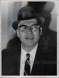 1967-press-photo-h-james-rand-developer-camer-upcc-arrives-vaccine-b22f0bbd52515ea36ba492df939124ed